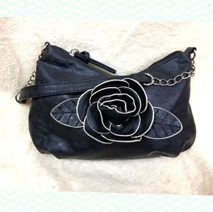 NWOT Purse - delicate vintage shoulder bag 🌹